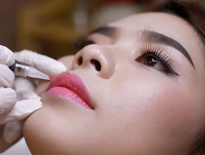Phun môi Cocktail mang đến style mới cho đôi môi của phái đẹp